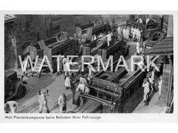 MOT. PIONIERKOMPANIE BEIM BELADEN IHRERFAHRZEUGE POSTCARD GERMANY HERAUSGEGEBEN  DES OBERKOMMANDOS DER WEHRMACHT - Koeln