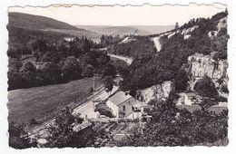21 NUITS Saint Georges La Vallée De La Serrée En 1957 VOIR ZOOM Troupeau De Moutons Et Auto Cabriolet Ancienne VOIR DOS - Nuits Saint Georges