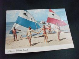 PIN UP SPIAGGIA VELE  NASSAU BAHAMA ISLANDS FRANCOBOLLO REGINA BAHAMAS - Pin-Ups