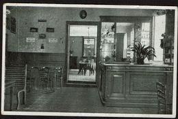 Rhode-St-Genèse - Etablissement V. De Dobbelaer - Intérieur Du Café - St-Genesius-Rhode - Koffiehuis Binnen - 2 Scans - Rhode-St-Genèse - St-Genesius-Rode