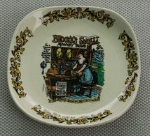 Ancien Vide Poche Soucoupe Porte Savon Verre Céramique Lord Nelson Pottery Hand-craft In England - Assiettes
