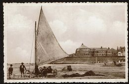 Middelkerke - Le Kursaal Et La Plage - Char à Voile - Circulée En 1938 - 2 Scans - Middelkerke