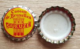 Vieille Capsules Kroonkurk Gueuze Caveau De Bruxelles   Brasserie Alen Waanrode - Beer