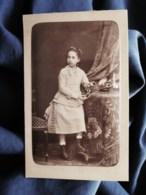 Photo Cdv Walery à Paris - Fillette Et Boite à Bijoux, Circa 1875 L512 - Oud (voor 1900)