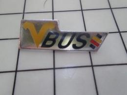 1220 Pin's Pins / Beau Et Rare / THEME : TRANSPORTS / V BUS - Transportes