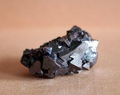 Cuprite Crystal Cluster. Russia - Minéraux