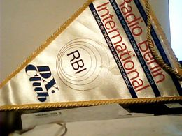 FANION TELA GAGLIARDETTO  RADIO BERLIN INTERNATIONALE  GERMANY DDR  RBI   HQ9885 - Patches