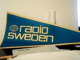 FANION TELA GAGLIARDETTO SVEZIA  RADIO SWEDEN HQ9893 - Stoffabzeichen