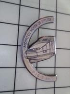 1220 Pin's Pins / Beau Et Rare / THEME : TGV / RCORD DU MONDE DE VITESSE 515 KM/H - TGV