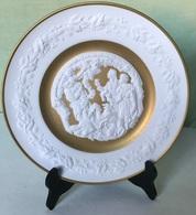 Vintage Franklin Porcelain - Deck The Hall Christmas Plate - High-relief Porcelain Bisque - 24 Karat Gold- Germany -1977 - Bavaria (DEU)