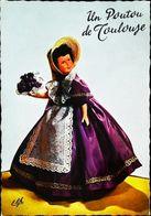 Carte Postale -   Poupée Doll   Un Poutou De Toulouse - Dolls