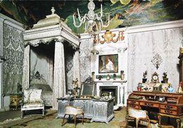 Maison De Poupée  Doll  De La Reine Mary Chateau Windsor   Chambre Reine Lit Baldaquin - Carte Postale Card - Dolls