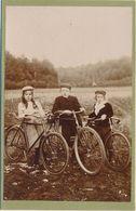 CABINET - Portrait Groupe D'enfants Avec Bicyclettes - Vélo - (anonyme) (BP) - Photographs