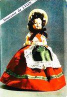 Carte Postale - Poupée Doll La Lyonnaise - Poupées