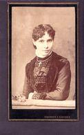 CDV SCHERNER & HANINGER INNSBRUCK   :   Très Beau Portrait Très élégante Jeune Femme Prenant La Pose Vintage Albumen - Ancianas (antes De 1900)
