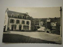 29 Saint Jean Du Doigt, La Place Et L'hotel Du Pont (9538) - Saint-Jean-du-Doigt
