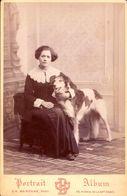 CDV CH.BARENNE PARIS  :   Très Beau Portrait   Jeune Femme Et Son Chien  à Identifier Vintage Albumen  ( CDV Gd Format ) - Ancianas (antes De 1900)