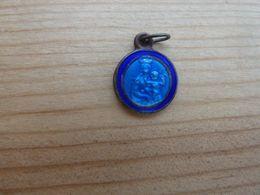 Médal-004 Médaille émaillée Bleue N.D. De La Garde, Au Dos Le Sanctuaire - Religion & Esotericism