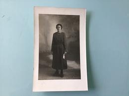 Carte-Photo Marguerite . Studio G PLESSY - DAMVILLE - Francia