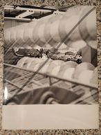 Photo Vintage Par V. Gailis. Original. Industrialisation. Usine De Fabrication. Usine De Tricot. Des Machines-outils L'U - Professions