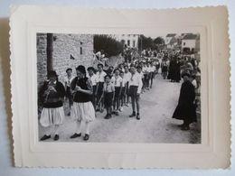 PLOBANNALEC-LESCONIL - Photographie Défilé De Scouts Avant La Kermesse - 1950 - TBE - Luoghi