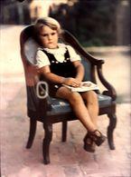 """Autochrome """"Lumiere""""  1926 Petite Fille Au Livre - Plaques De Verre"""