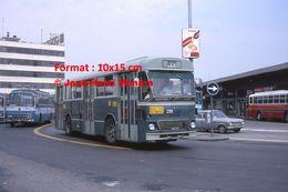 Reproduction D'une Photographie De'une Vue De Bus à Un Arrêt à Venise En Italie En 1976 - Reproducciones