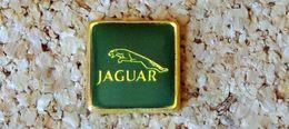 Pin's JAGUAR Logo Carré 17mm - Verni époxy - Fabricant Inconnu - Jaguar