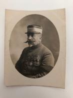 Foto 9,5x12,5 Cm Militair Soldat Grand Guerre Avec Medailles Kepi 2 !petit Cut Rhin Tear A Droite! - Guerre, Militaire