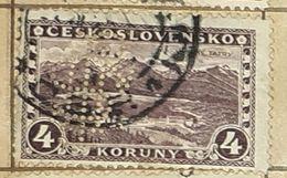 CZECHOSLOVAKIA-VIEW TO TATRA MOUNTAIN,PERF.-USED STAMP - Czechoslovakia