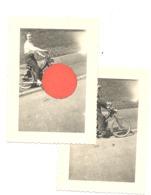 Lot De 2 Photos ( +/- 6 X 9 Cm ) D'un Vélomoteur, Moto  - Marque ??  - Oldtimer (B280) - Cars