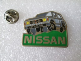 PIN'S    NISSAN  PATROL  GR - Pin's