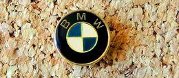 Pin's BMW Logo 14mm - Verni époxy - Fabricant Inconnu - Pin's
