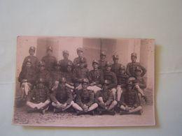MILITARIA. REGIMENT ETRANGER. GROUPE DE MILITAIRES. CARTE-PHOTO. 101-9975GRT - Régiments