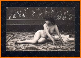 French Nude Woman ON CARPET Photo Postcard Original Old 1910s Ca 2368.LCaP40 - Nus Adultes (< 1960)