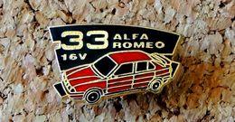 Pin's ALFA ROMEO Alfa 33 16V Rouge Vitres Noires - émaillé - Fabricant FORMULA Paris - Alfa Romeo