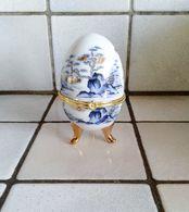 Oeuf En Porcelaine Décor Japonisant Fermeture Fleur ( D'autres Sur Le Site) - Eggs