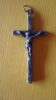 Petite Croix Religieuse (sans Doute Argent) - Religion &  Esoterik