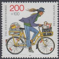 Germany 1995 - The Day Of Stamp: Bicycle Carrying Mail - Mi 1814 ** MNH [1082] - Wielrennen