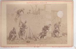 Photos Originale Ancienne Ad. Braun & Cie Militaires Infanterie L'escalade D'un Mur  De Berne-bellecour 1870 Ref 741 - War, Military
