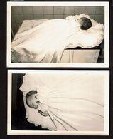 2 Cartes Photos  - Photo Mortuaire - Bébé Mort - Post-mortem - Défunt - 2 Scans - Anonyme Personen
