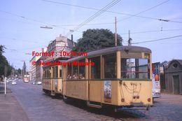 Reproduction D'une Photographie De Tramway Circulant à Wuppertal En Allemagne En 1964 - Reproducciones