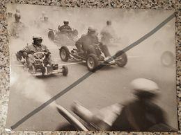 Photo Vintage Par V. Gailis. Original. Course. Voitures De Courses. L'URSS. Lettonie - Cars
