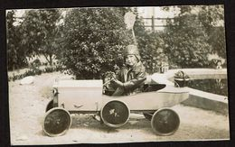 1927 - Photo 12,5 Cm X 7,5 Cm - Fillette Dans Une Voiture à Pédales - Prise à Le Pouliguen - 2 Scans - Cars