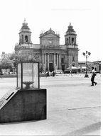 Photo Guatemala Cathédrale Et Plaza Major  Ph. Vivant Univers 2000 . - Lugares