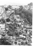 Photo Guatemala Entassement D'habitations Pauvres Dans Les Banlieues Nord De Ciudad Guatemala  Ph. Vivant Univers 2000 . - Lugares