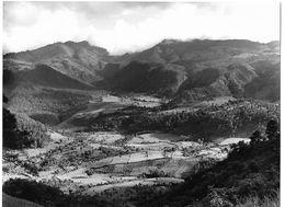 Photo Guatemala Paysage Agricole De Parcelles Familiales (minifundia) Des Hauts Plateaux Ph. Vivant Univers 2000 . - Lugares