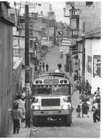 Photo Guatemala. Rue De Chichicastenango, Haut-lieu De Pèlerinage Pour Les Indigènes..Ph. Vivant Univers 2000 . - Lugares