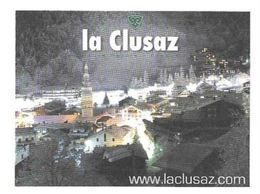 LA CLUSAZ HAUTE SAVOIE - VUE DE LA STATION LA NUIT, PAP ENTIER POSTAL FLAMME LA POSTE 2011, VOIR LES SCANNER - Holidays & Tourism