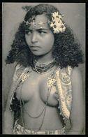 AFRICA - SCENES ET TYPES Nº 322 -   Femme Aux Seins Nus - Buste De Mauresque. (Ed. Coll. Ideal P.S. ) Carte Postale - Afrique Du Nord (Maghreb)